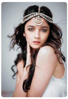 Looking for similar Golden Maang Tikka wore by Alia Bhatt
