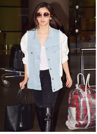 Airport Look of Alia's White Top
