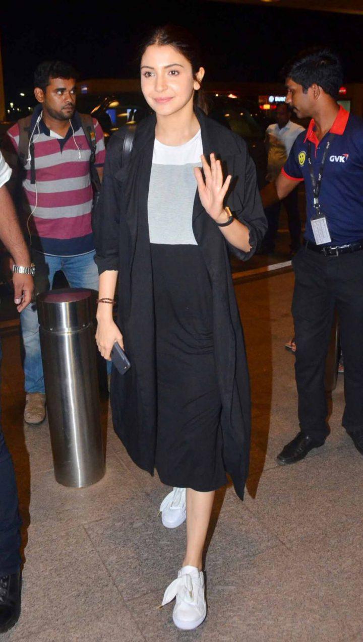Anushka Sharma Black Culottes (Airport Looks)