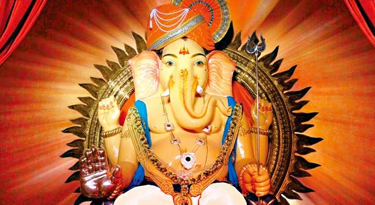 Girgaoncha Raja Ganpati Mandal in Mumbai @TheRoyaleIndia