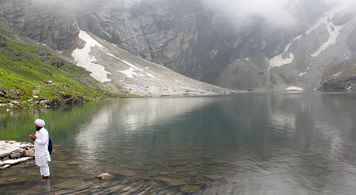 Trek to Hemkund Sahib by Mridula Dwivedi @TheRoyaleIndia