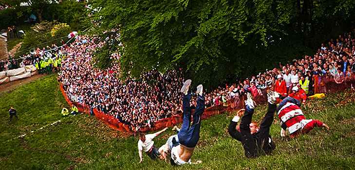 Cheese Rolling Festival in England @TheRoyaleIndia