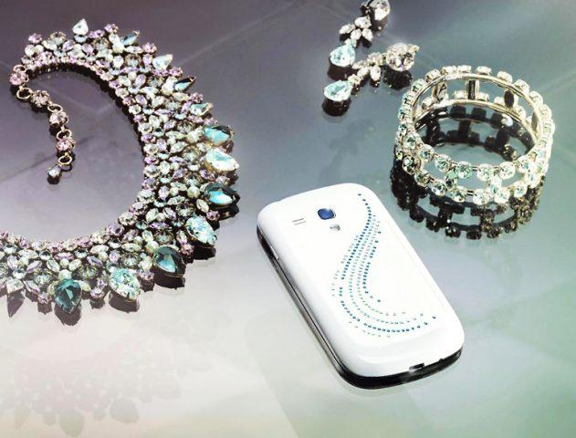 Galaxy SIII Mini with Swarovski crystals @theroyaleindia