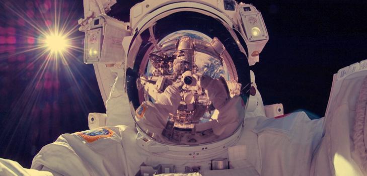 Astronaut Aki Hoshide Selfie @TheRoyaleIndia