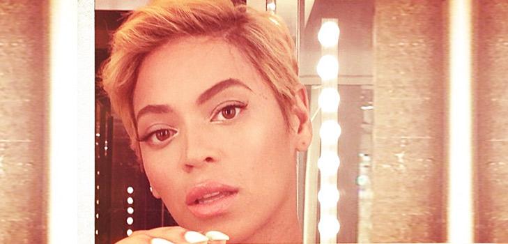 Beyonce Knowles Selfie @TheRoyaleIndia