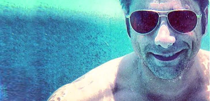 John Stamos Underwater Selfie @TheRoyaleIndia