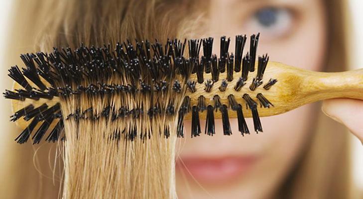 Mixed bristle Hairbrush @TheRoyaleIndia