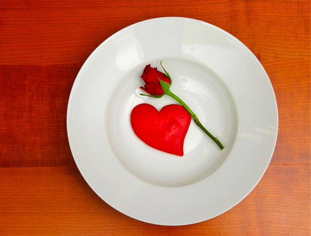 valentine food heart plate rose dinner @TheRoyaleIndia