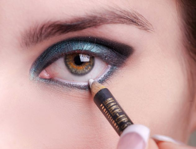 White Eye Makeup is the new Black Smudged Liner @TheRoyaleIndia