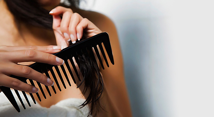Wide tooth Hairbrush for detangling @TheRoyaleIndia