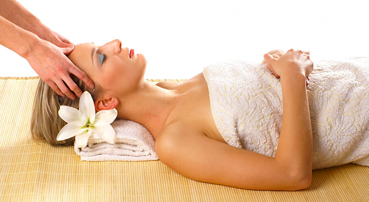 gift a spa session for mom @TheRoyaleIndia