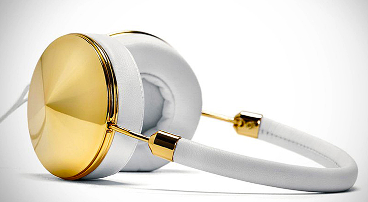 gold layla headphones@TheRoyaleIndia
