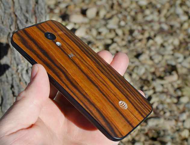 Moto X Walnut variant available in India @TheRoyaleIndia