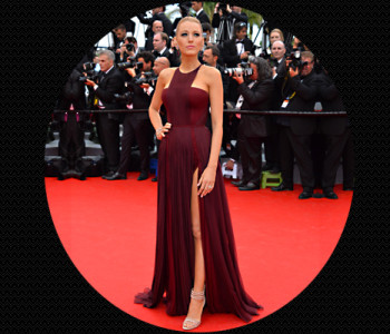 Blake Lively in wine coloured-stunner Gucci gown @TheRoyaleIndia