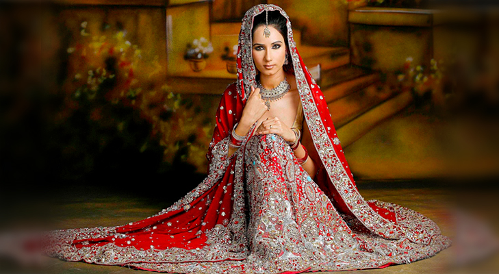 red indian bridal wear @TheRoyaleIndia