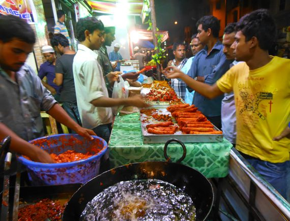 Relish on Moutwatering Ramzan special dishes across street bazaars of India. @TheRoyaleIndia