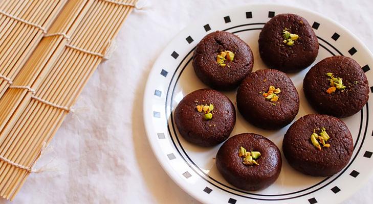 chocolate peda @TheRoyaleIndia