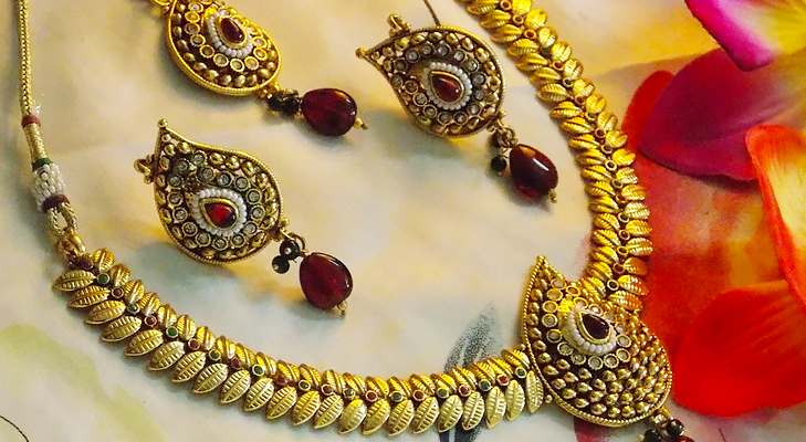 DIY Tips And Tricks On How To Personalize Your Diwali Gifts The Royale