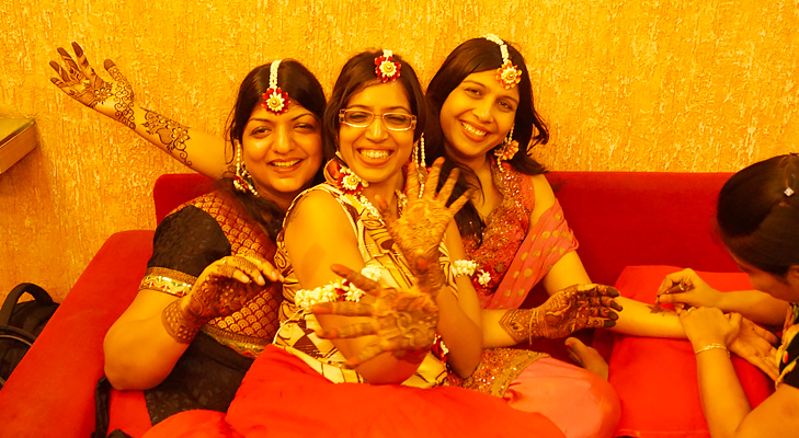 Mehendi party with family and friends on Karva Chauth @TheRoyaleIndia