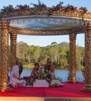 Flaunt Your Outdoor Wedding Look - Here's how. @TheRoyaleIndia