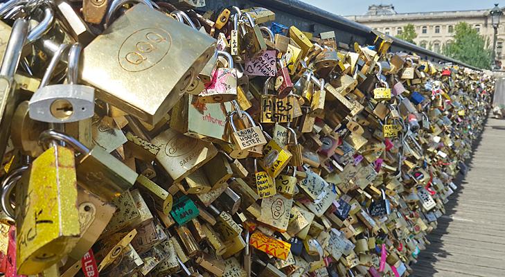 the famous lockbridge @TheRoyaleIndia