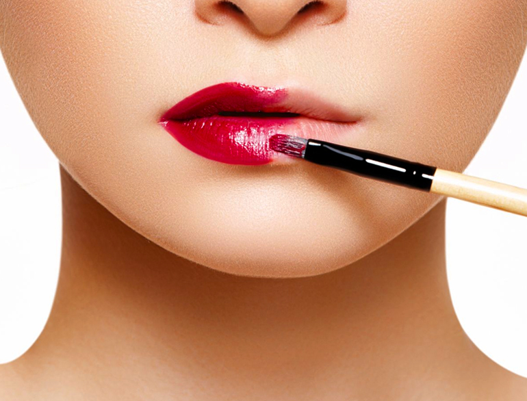 Lipsticks that lasts long, really long @TheRoyaleIndia
