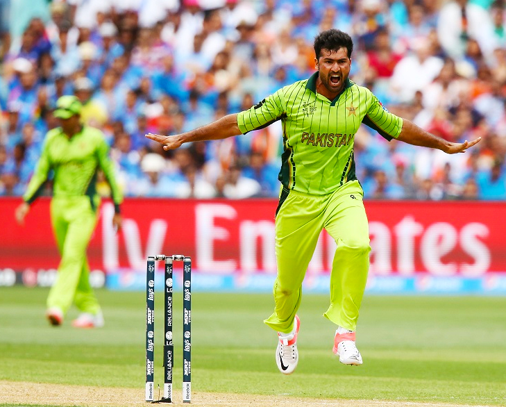 Sohail Khan Five Wickets against India @TheRoyaleIndia