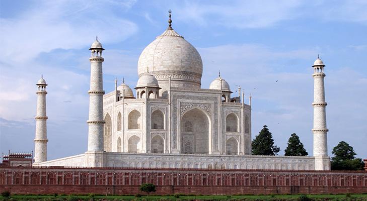 Taj Mahal History @TheRoyaleIndia
