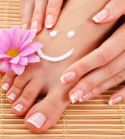 Home Manicure Tips – 8 Steps For Perfectly Manicured Nails @TheRoyaleIndia