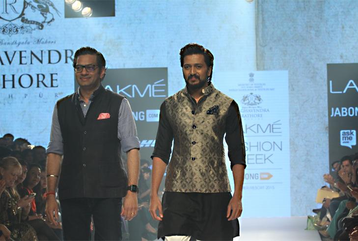 Ritiesh deshmukh lakme fashion @TheRoyaleIndia