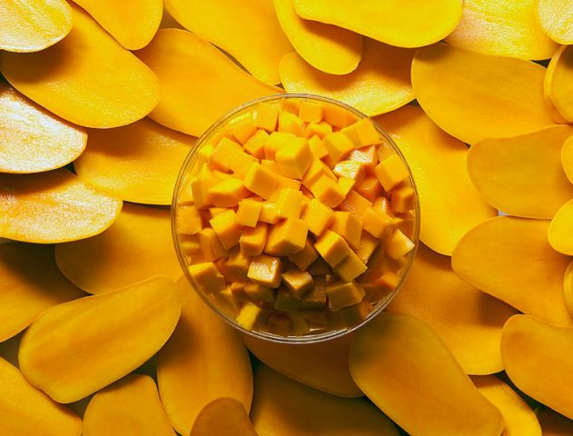 Eat Mangoes The Konkani Way (Mango Curry Recipe) @TheRoyaleIndia