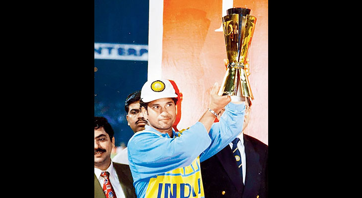 sachin tendulkar winning titan cup @TheRoyaleIndia