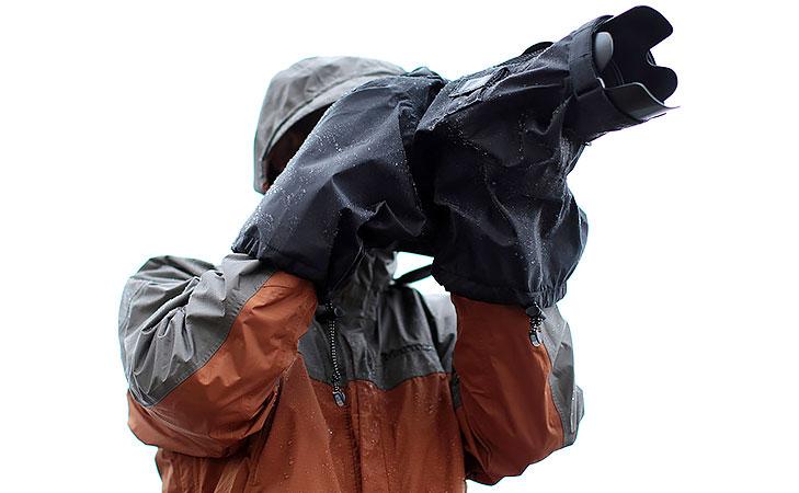 photographer_with_rain_protection_gear.j