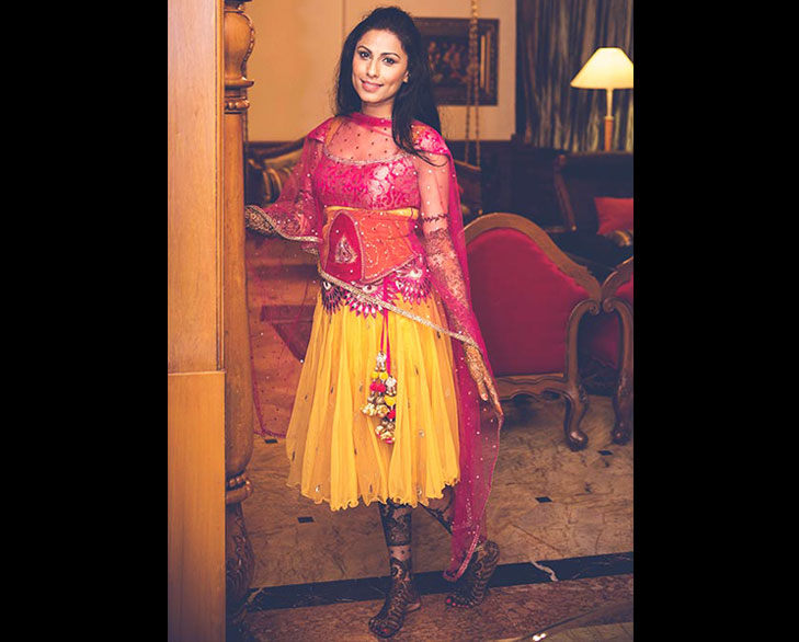 knee length lehenga mehendi @TheRoyaleIndia