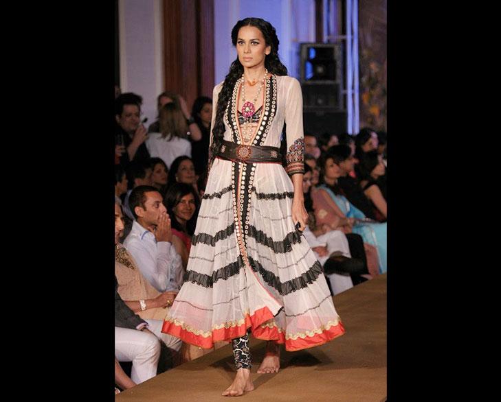 rina dhaka collection @TheRoyaleIndia