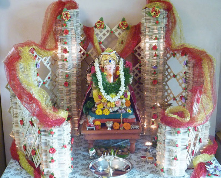 Creative ganpati decoration ideas for home the royale for Background decoration for ganpati