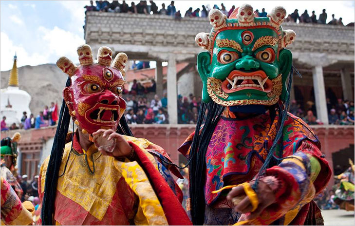 ladakh festival cultural dance @TheRoyaleIndia