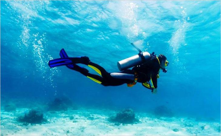 Scuba diving in Tarkarli @TheRoyaleIndia