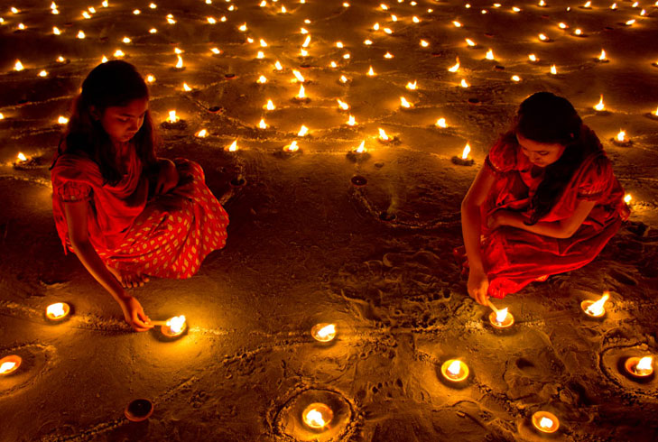 earthen diyas diwali @TheRoyaleIndia