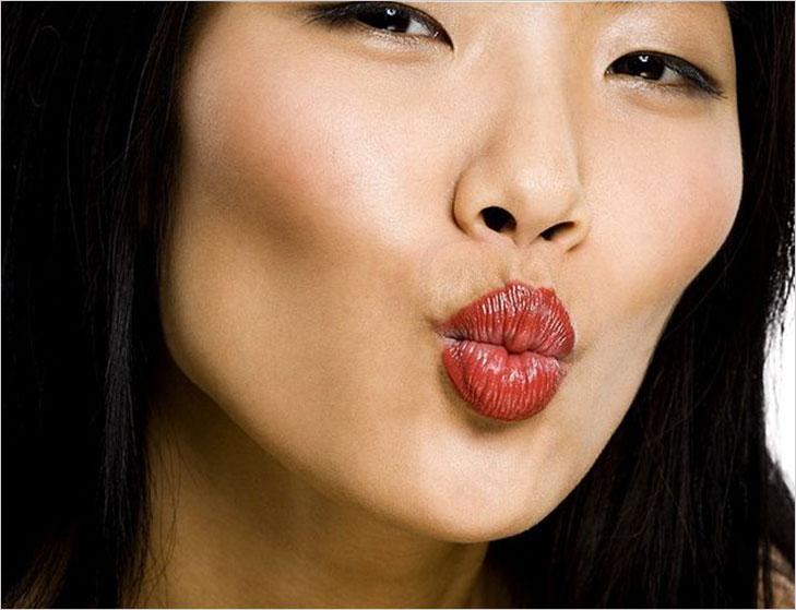 kiss and tell facial yoga @TheRoyaleIndia