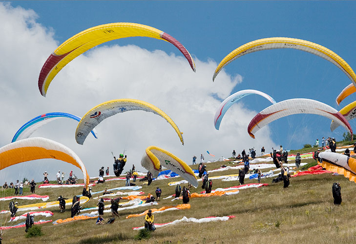 paragliding event himachal @TheRoyaleIndia