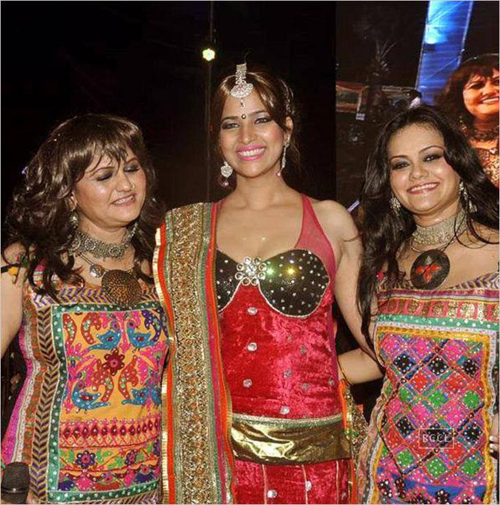 pinky preity navratri @TheRoyaleIndia