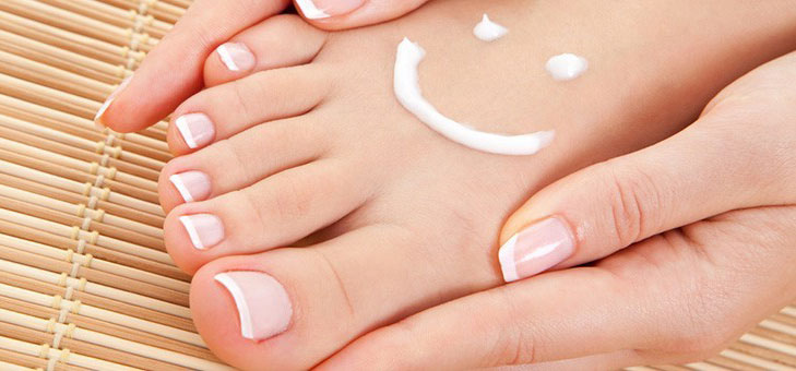 moisturise foot @TheRoyaleIndia