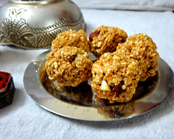 oats dry fruits laddu @TheRoyaleIndia