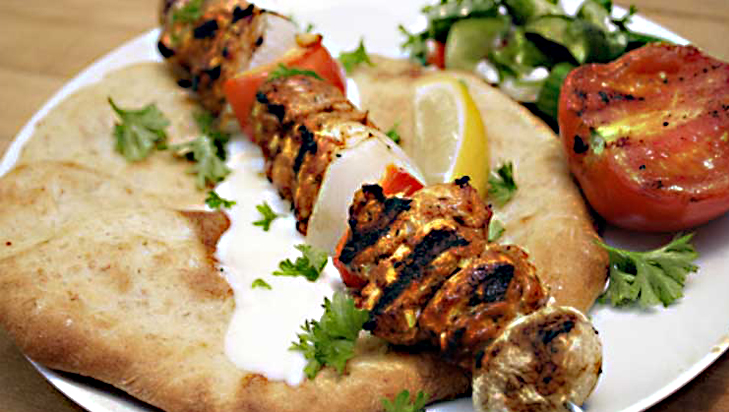 Shish taouk a lebanese canadian chicken shawarma recipe for Cuisine libanaise