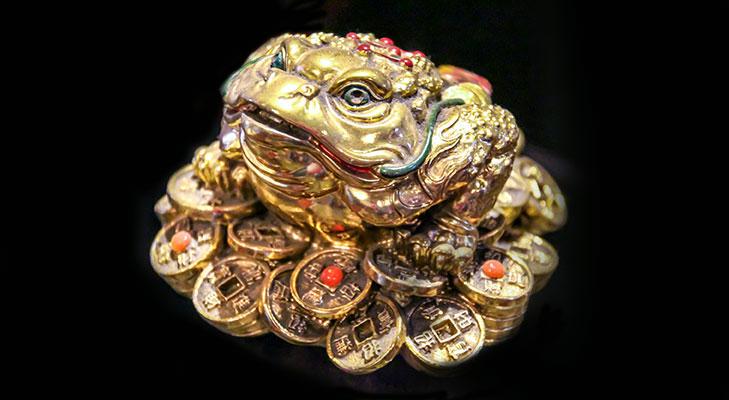Feng shui 3 legged frog gift @TheRoyaleIndia