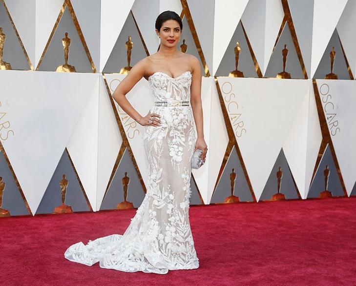 Priyanka white dress oscar @TheRoyaleIndia