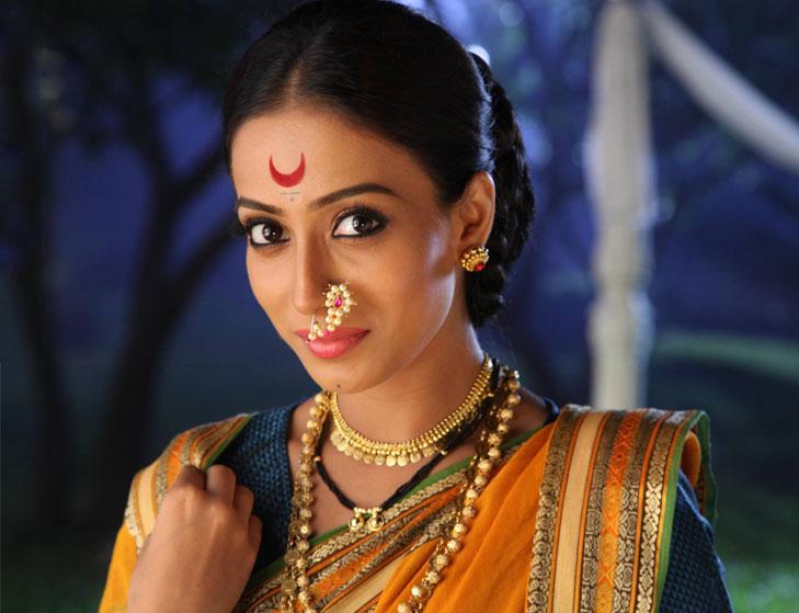 Gudi padwa maharastrian woman @TheRoyaleIndia