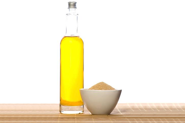 Olive oil sugar dark lips remedy