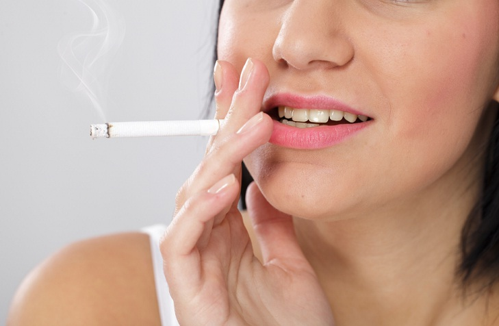 smoking effects on lips
